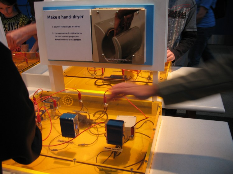 Make a Hand Dryer - Science Museum Activity
